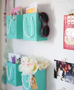 Can it get easier or cheaper (except for what was in the bags...) than this? Wall decoration /DIY storage.