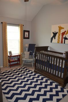 love the chevron rug and the giraffe canvas