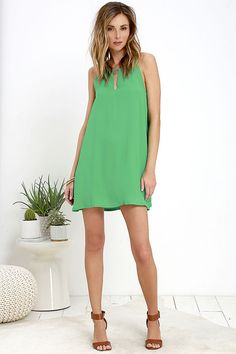 Worn dressed up or down, the BB Dakota Rachel Green Shift Dress always looks good! A high neckline with a notched, V-cutout and twin, spaghetti…