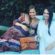 Beautiful ladies @valleybrinkroad (wearing JSN) and @mooncanyon (another amazing client. Chic Maternity, Maternity Fashion, Earth Mama, Baby Bump Style, Muumuu, Vintage Hippie, Pregnancy Style, Autumn Style, Beautiful Ladies