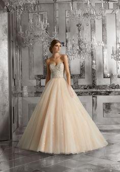 Trouwjurken | Trouwjurk van het merk Mori Lee model 8175 - Weddings Bruidsmode