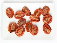 These oven-roasted tomatoes from Q by Equinox look so toasty and delicious! We want to add them to salads, pastas, sandwiches, and soups! #whatwerelovingtoday #recipes