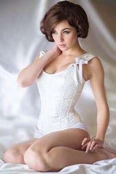 lavinialingerie:  Pretty Vintage Styled Bridal Corset #Lingerie