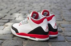 Releasing: Air Jordan 3 Retro 'Fire Red'