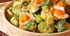 半熟卵とブロッコリーのアボカドサラダ [Soft Boiled Egg with Broccoli Avocado Salad] Easy Cooking, Healthy Cooking, Cooking Recipes, Healthy Recipes, Western Food, Japanese Dishes, Happy Foods, Cafe Food, International Recipes