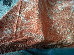 batik tulis buatan madura dengan bahan sutra china 56 ukuran 2 meter, pewarnaan napthol