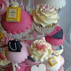 Novelty cupcakes. #henpartyideas #henparty #bacheloretteparty #bachelorettepartyideas Image from www.cupcakeglasgow.com