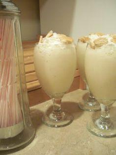 Banana Pudding Milkshakes.  http://thelifeofjenniferdawn.blogspot.com/2011/04/banana-pudding-milkshake.html