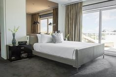 The Port Penthouse, Port Melbourne, a Luxico Holiday Home