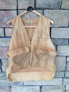 Mens Rustic Fishing Vest 1950s Khaki Ideal Vest by StylishPiggy, $22.00 Hunting Vest, Man Gear, Vintage Sportswear, Fishing Vest, Vintage Outfits, Vintage Clothing, Vintage Men, 1950s, Mens Fashion