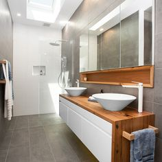 Awesome Bathroom Skylight Design For Bathroom Inspiration 27 Ensuite Bathrooms, Bathroom Renos, Laundry In Bathroom, Bathroom Cabinets, Bathroom Renovations, Bathroom Furniture, Bathroom Interior, Modern Bathroom, Small Bathroom