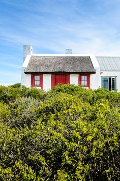 Churchaven on the west (Atlantic side) shore of Langebaan lagoon Cabins And Cottages, Beach Cottages, Beach Houses, White Sand Beach, Ocean Beach, Moon Beach, Fishermans Cottage, Beach Accommodation, Cottage Farmhouse