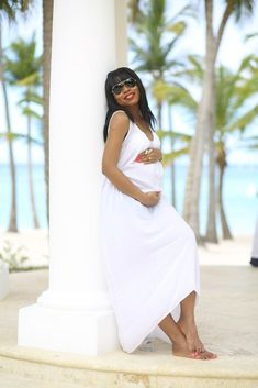 All white outfit- Jadore-Fashion All White Outfit, White Outfits, White Dress, White Clouds, Winter White, Maternity Fashion, Dress Skirt, Chic, Lady
