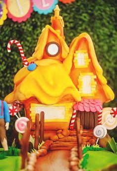 AMAZING Gingerbread House Cake!