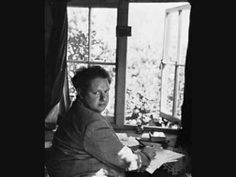 ▶ Dylan Thomas — Author's Prologue - YouTube