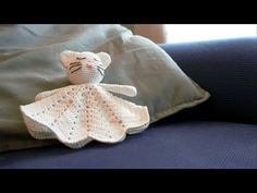 Dou Dou, Puppets, Diy And Crafts, Crochet, Throw Pillows, Dolls, Youtube, Plush, Crocheting