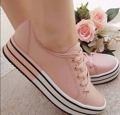 Ideas For Basket Chaussure Femme Girls Sneakers, Girls Shoes, Sneakers Fashion, Fashion Shoes, Shoes Sneakers, Pretty Shoes, Beautiful Shoes, Cute Shoes, Me Too Shoes