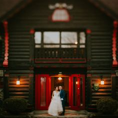 Chateau Montebello wedding; wedding photojournalism;  PHOTOGRAPHY Joel + Justyna Bedford;