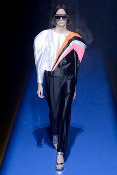 http://www.vogue.de/fashion-shows/mailand-fashion-week/fruehjahr-sommer-2018/gucci