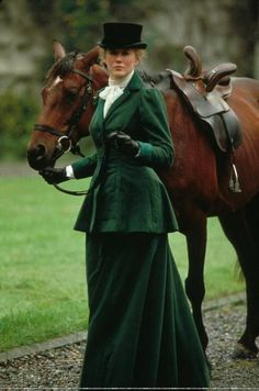 Side Saddle Elegance Nicole Kidman in Far and Away Celebrities Famous People Riding Horses. Horse Caballo, Riding Habit, Side Saddle, Period Costumes, Nicole Kidman, Equestrian Style, Historical Clothing, Horseback Riding, Horse Riding