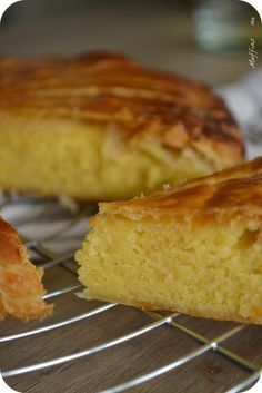 Salmon recipes 525443481509328073 - Galette des rois légère Source by Other Recipes, My Recipes, Sweet Recipes, Cake Recipes, No Cook Desserts, Just Desserts, Muffins, British Baking, Butter