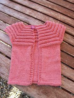 Tricot bébé fille 3 mois gilet tricoté main rose 3 Mois, Tricot Bébé, Fille 1170ec654a5