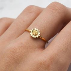 Yellow gold marquise ring decorated with an oval cut ruby with 2 . - Yellow gold marquise ring, decorated with an oval cut ruby with – ring jewelry - Cute Jewelry, Gold Jewelry, Jewelry Rings, Jewelery, Jewelry Accessories, Jewelry Design, Gold Bracelets, Jewelry Ideas, Luxury Jewelry
