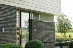 De Designa bouwstijl kent moderne keramische gevelbakstenen en dakpannen, met strakke belijning en in eigentijdse kleuren. De essentiële ingrediënten voor rust en comfort.