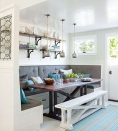 We love this rustic-inspired breakfast banquette with built in seating and a moveable bench. Check out our other breakfast room banquette ideas to add a homey and welcoming feeling to your kitchen. Kitchen Table With Storage, Kitchen Corner Bench, Kitchen Booths, Kitchen Ikea, Window Seat Kitchen, Corner Banquette, Corner Nook, Corner Table, Kitchen Shelves