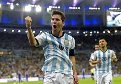 16-Jun-2014 6:23 - JOURNALISTEN ADOREREN MESSI OOK NA ZWAK OPTREDEN. Hij grossieerde zondagavond in balverlies. Lionel Messi speelde een slechte wedstrijd, waarin niets leek te lukken. Maar toen was daar opeens de...