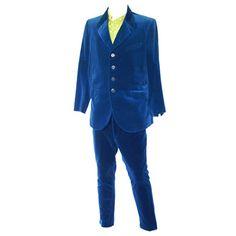 : INTERNATIONAL... International Trademark Suit