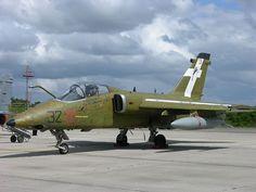 File:MM7147 32-01 Aeritalia-Embraer AMX 32º Stormo painted in second world war markings (3601388628).jpg