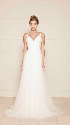 Simple beautiful tulle wedding dress