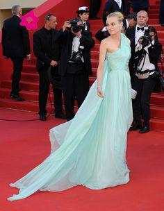 Diane Kruger con vestido verde agua de Giambattista Valli Couture en Cannes