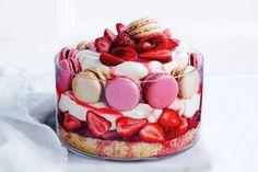 Cakes To Make, How To Make Cake, Snickers Chocolate Bar, Christmas Ice Cream, Aussie Christmas, Australian Christmas, Christmas Desserts, Christmas Recipes, Christmas Cooking