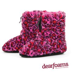 Stand out from the crowd with these lush, plush Dearfoams Pile Boot slippers.