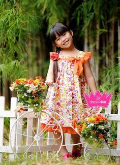 orange flowery dress Flowery Dresses, Kids Fashion, Orange, Mom, Child Fashion, Kids Outfits, Mothers, Chicos Fashion, Fashion Children
