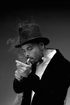 Marco D'Amore | Ciro in Gomorra. La serie Famous Portraits, Italian Men, My Future Boyfriend, Gentleman Style, Say Hello, Gorgeous Men, Giorgio Armani, Persona, Style Icons