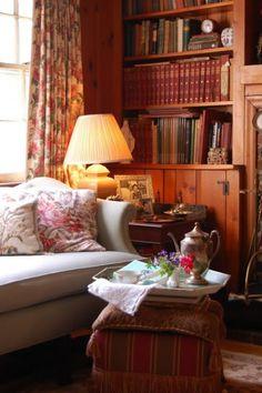 English Cottage Cozy!