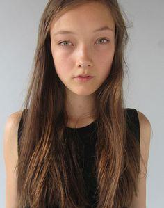 Yumi Lambert / Dominique