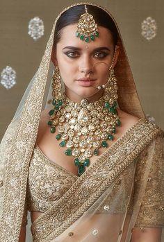 9 Astounding Useful Ideas: Costume Jewelry Rings jewelry logo name plates.Jewelr… 9 Astounding Useful Ideas: Costume Jewelry Rings jewelry logo name plates. Indian Bridal Fashion, Indian Wedding Jewelry, Indian Bridal Wear, Indian Wear, Diy Indian Jewelry, Indian Bridal Photos, Pakistani Bridal, Bridal Looks, Bridal Style