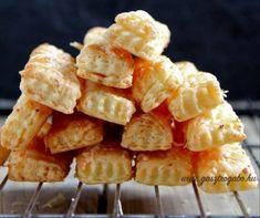 Sajtos-túrós rúd Recept képpel - Mindmegette.hu - Receptek Snack Recipes, Snacks, Penne, Rum, Chips, Snack Mix Recipes, Appetizer Recipes, Appetizers, Potato Chip