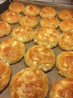 Greek Pita, Cheese Pies, Crackers, Snacks, Breakfast, Party, Savoury Pies, Greek Recipes, Pastries