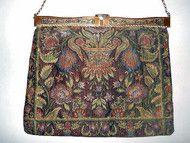 Poseta Art Deco tapestry anii '20 http://www.vintagewardrobe.ro/cumpara/poseta-art-deco-tapestry-anii-20-4653809