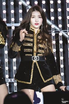 Kpop Girl Groups, Korean Girl Groups, Kpop Girls, Stage Outfits, Kpop Outfits, Couture Mode, Couture Fashion, Gfriend Sowon, G Friend