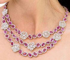 Avakian Haute Joaillerie Necklace- Diamonds and Sapphires - Schmuck -Ringe -Ketten-Ohrringe - Sapphire Necklace, Sapphire Jewelry, Diamond Jewelry, Gold Jewelry, Diamond Necklaces, Jewelry Necklaces, Modern Jewelry, Fine Jewelry, Saphir Rose