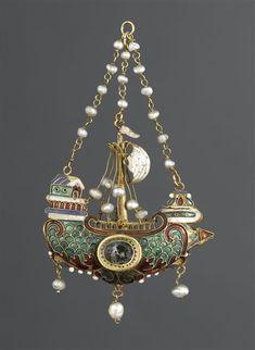 lost-in-centuries-long-gone:  Pendant: Nave - 16th century. Enamel, gold. Italy. | Photo © RMN-Grand Palais (musée du Louvre) / Jean-Gilles Berizzi  photo.rmn.fr