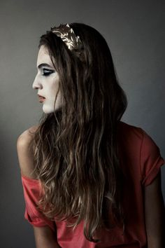 Vanessa Axente +JeSuisBelle Supermodels, Fashion Photography, Women Wear, Long Hair Styles, Elegant, Beauty, Classy, Top Models, Long Hairstyle