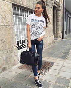 Chic y casual con outfits sencillos de conseguir.