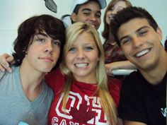 degrassi - why is everyone so hot